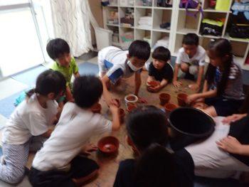 月曜日かたち「漆喰で植木鉢」
